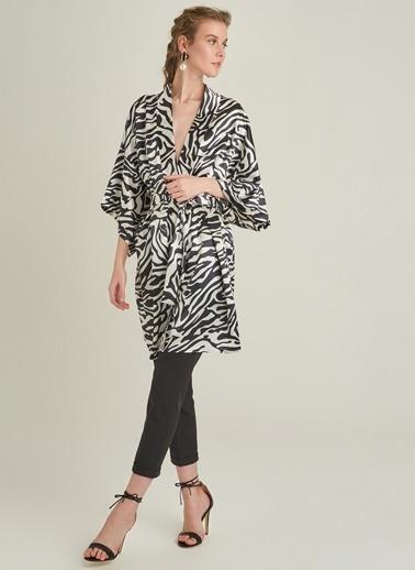 Ng Style Zebra Desenli Saten Kimono Siyah